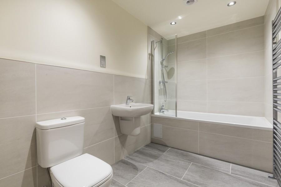 Plot-4-hse-bathroom-e1511773819992